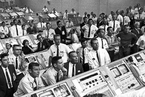 Apollo 11 Mission Control - Image: NASA